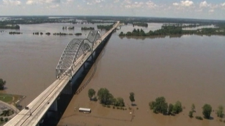 The Mighty Mississippi | PBS NewsHour | May 10, 2011 | PBS