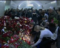 News Wrap: Moscow Mourns After Train Attacks