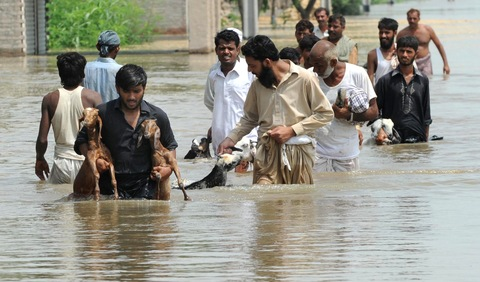 Pakistani flood survivors; AFP/Getty