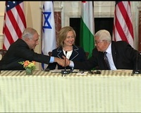 Clinton Lauds Mideast Leaders as Peace Talks Begin Anew