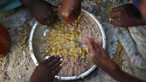 Food aid in Somalia; AFP/Getty
