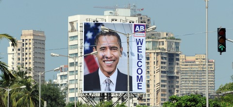 A billboard welcomes President Obama in Mumbai