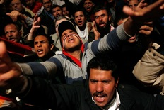 Protesters Look to Step Up Pressure on Mubarak as Concerns of Violence Resurface