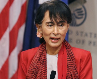Suu Kyi: 'We Should Not Depend on U.S. Sanctions' for Reforms in Myanmar