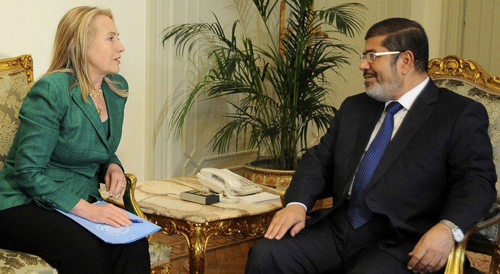 Clinton, Morsi Discuss Truce