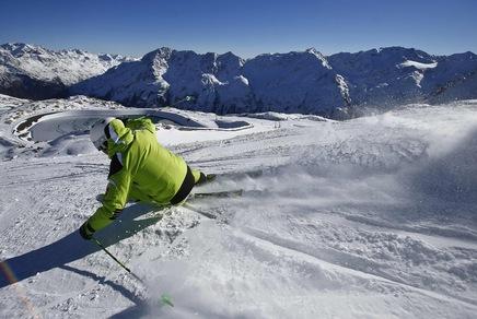 Skier; REUTERS/Dominic Ebenbichler