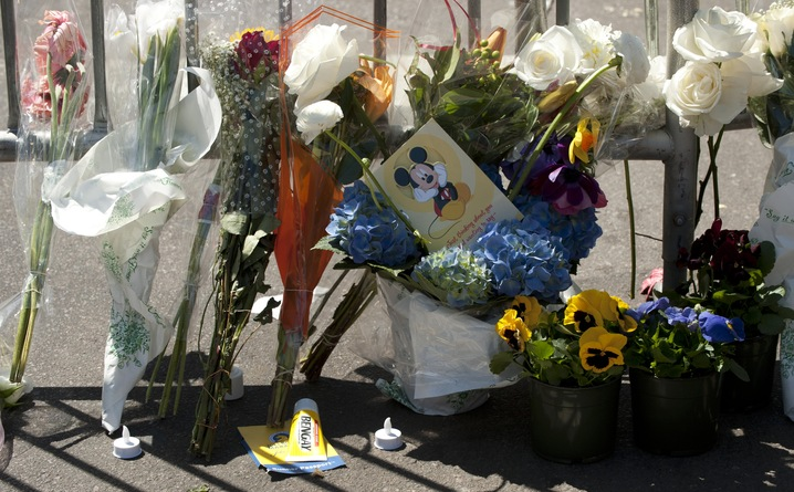 Bombing Tributes on Streets